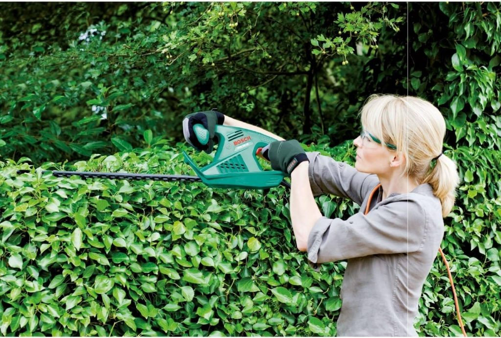 Bosch Ahs 55-16 hedge trimming