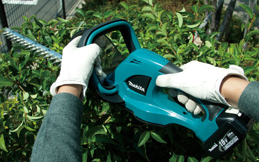 Makita DUH523Z Cordless Hedge Trimmer 2