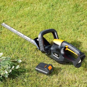 Remove The Battery of Cordless Hedge Cutter
