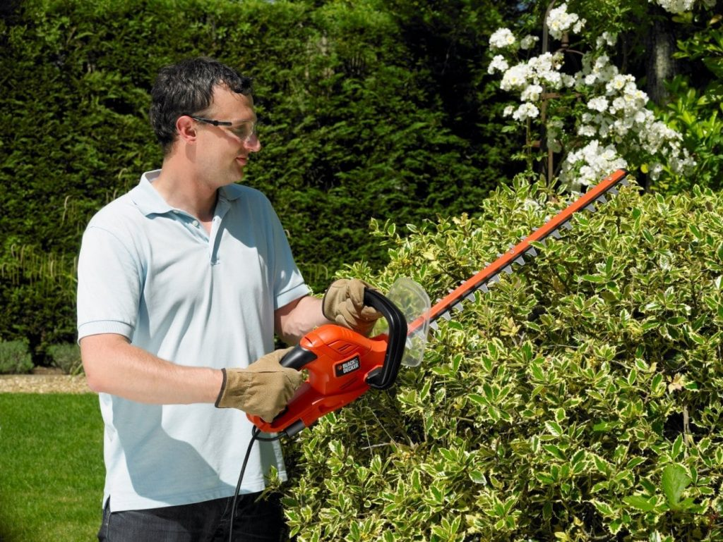 Black & Decker Easy Hedge Trimming