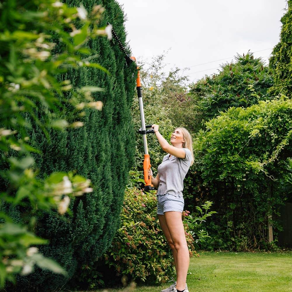 Yard Force 20V Cordless Pole Hedge Trimmer UK is extremely lightweight